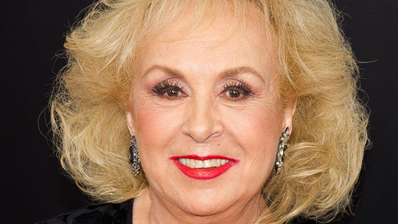 Doris Roberts, Veteran Actress & 'Everybody Loves Raymond' Star Dies at 90