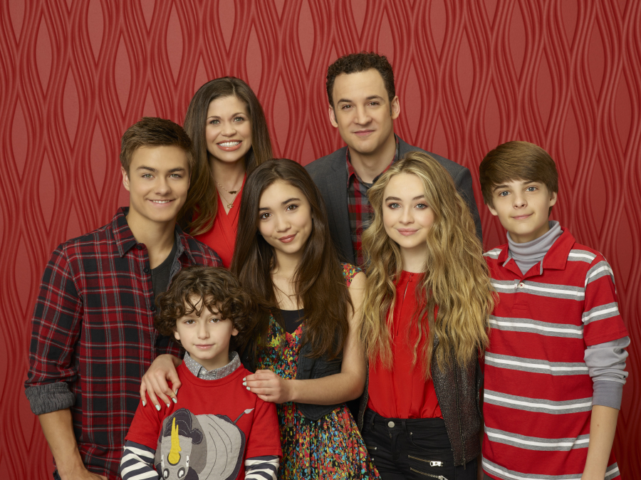 'Girl Meets World' Recreates Classic 'Boy Meets World' Intro