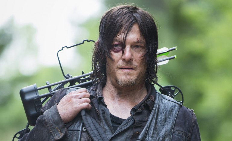The Walking Dead clip: Dwight tries to rock Daryl's vest