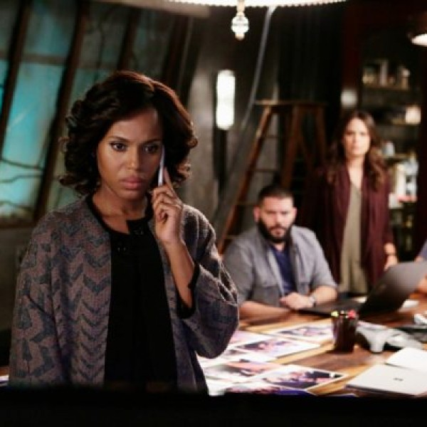 Kerry Washington plays Olivia Pope (center) in 'Scandal.' Kerry Washington plays Olivia Pope (center) in 'Scandal.'