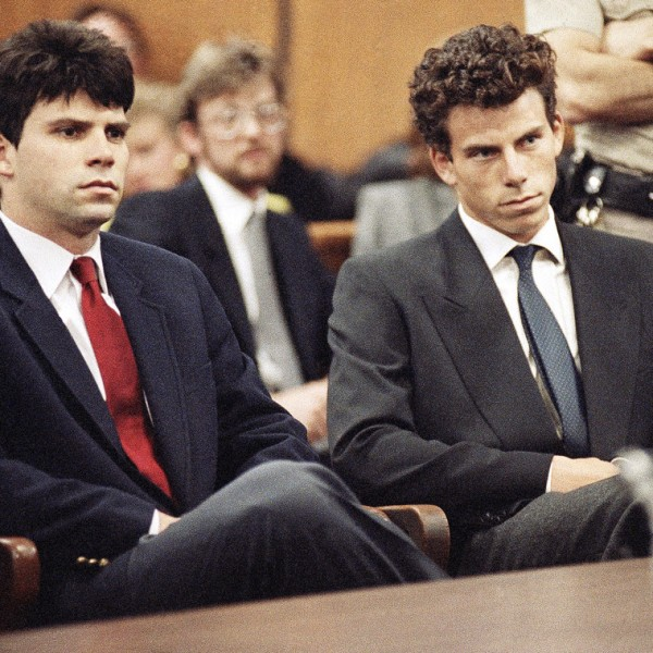 Menendez Brothers Murder Facts Law And Order True Crime: Lifetime To Make Menendez Brothers Movie Starring Courtney