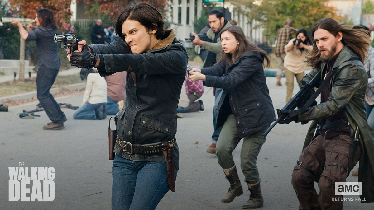 """'The Walking Dead' Co-stars Talk Upcoming Scenes """"Never Happened Before"""""""