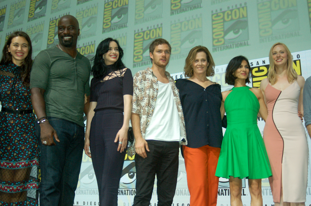 Defenders-Cast-San-Diego-Comic-Con-2017-4