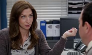 Actress Chelsea Peretti Thinks 'Brooklyn-Nine-Nine' Should Defund Police In New Season
