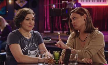 Fox Renews Mayim Bialik-Led Comedy 'Call Me Kat' for a Second Season